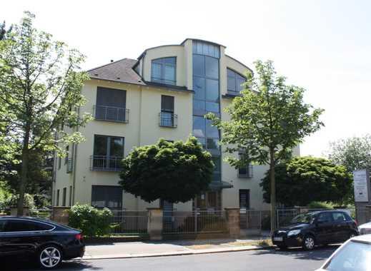 Gepflegte 4-Zimmer-Wohnung mit Balkon und Einbauküche in Dresden