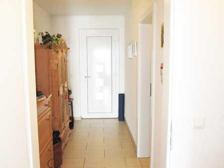 Großzügige 2-Zimmer Wohnung mit Balkon, im letzten OG mit Lift, nahezu neuwertig, tolle Anlage in Germering (Fürstenfeldbruck)