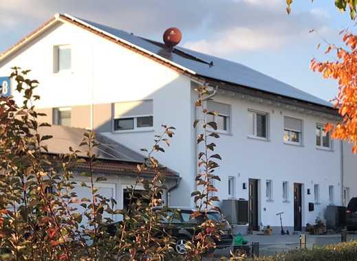 NEUE - moderne, lichtdurchflutete und energieeffiziente DHH mit großer Terasse und Garten