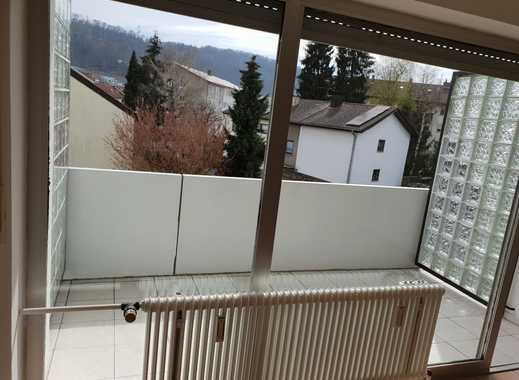 Attraktive 3-Zimmer-Wohnung m. EBK, überdachten Balkon,Keller,Garage