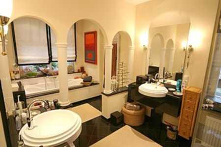 Außergewöhnliche, exklusive 4-Zimmer-Stadtwohnung mit zwei Balkonen und Einbauküche in Coburg-Zentrum (Coburg)