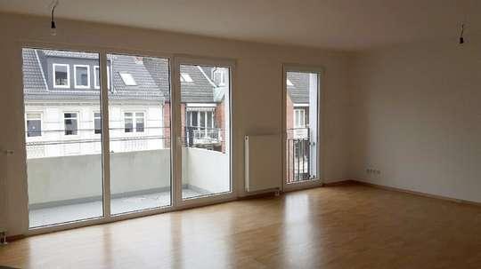 Wohnen in den Wallhöfen: Moderne 4-Zimmer Wohnung mit Terrasse in Neustadt, Hütten 