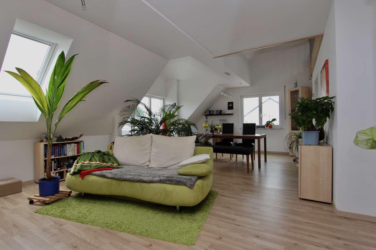 Moderne 2,5 Zimmer Maisonettewohnung in