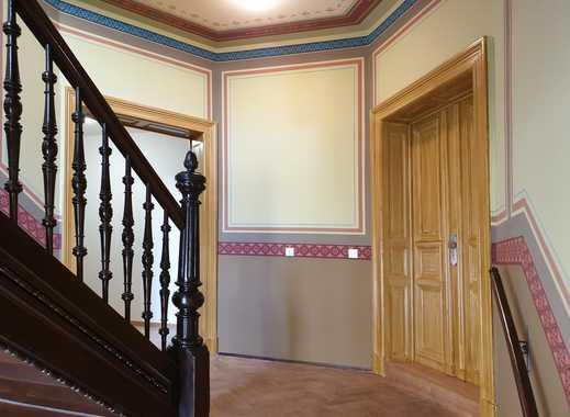 Erstmieter werden im hochwertig sanierten Altbau // Balkon & Parkett!
