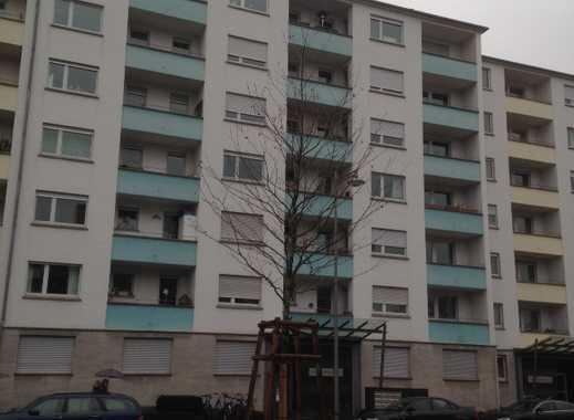 Schöne und geräumige 3-Zimmer-Wohnung mit Balkon in Mannheim zu vermieten