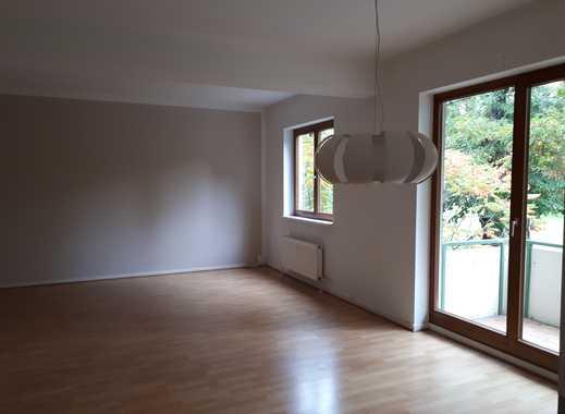 ruhige 3-Zimmer-Wohnung mit Balkon und EBK