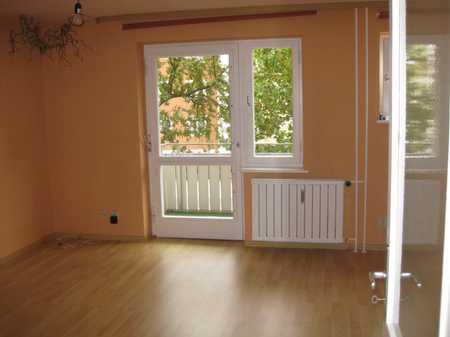 Modernisierte 2-Raum-Wohnung mit Balkon und Einbauküche in Fürth in Hardhöhe (Fürth)