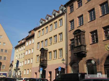 GEPFLEGT WOHNEN - Charmante 2 Zi-Whg. mit BALKON und EINBAUKÜCHE, direkt im BURGviertel in Altstadt, St. Sebald (Nürnberg)