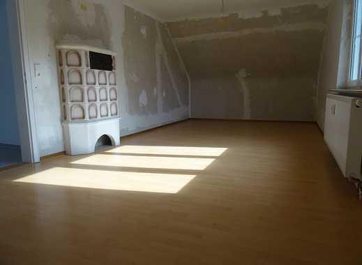 Erstbezug nach Sanierung: freundliche 3-Zimmer-DG-Wohnung in Eislingen