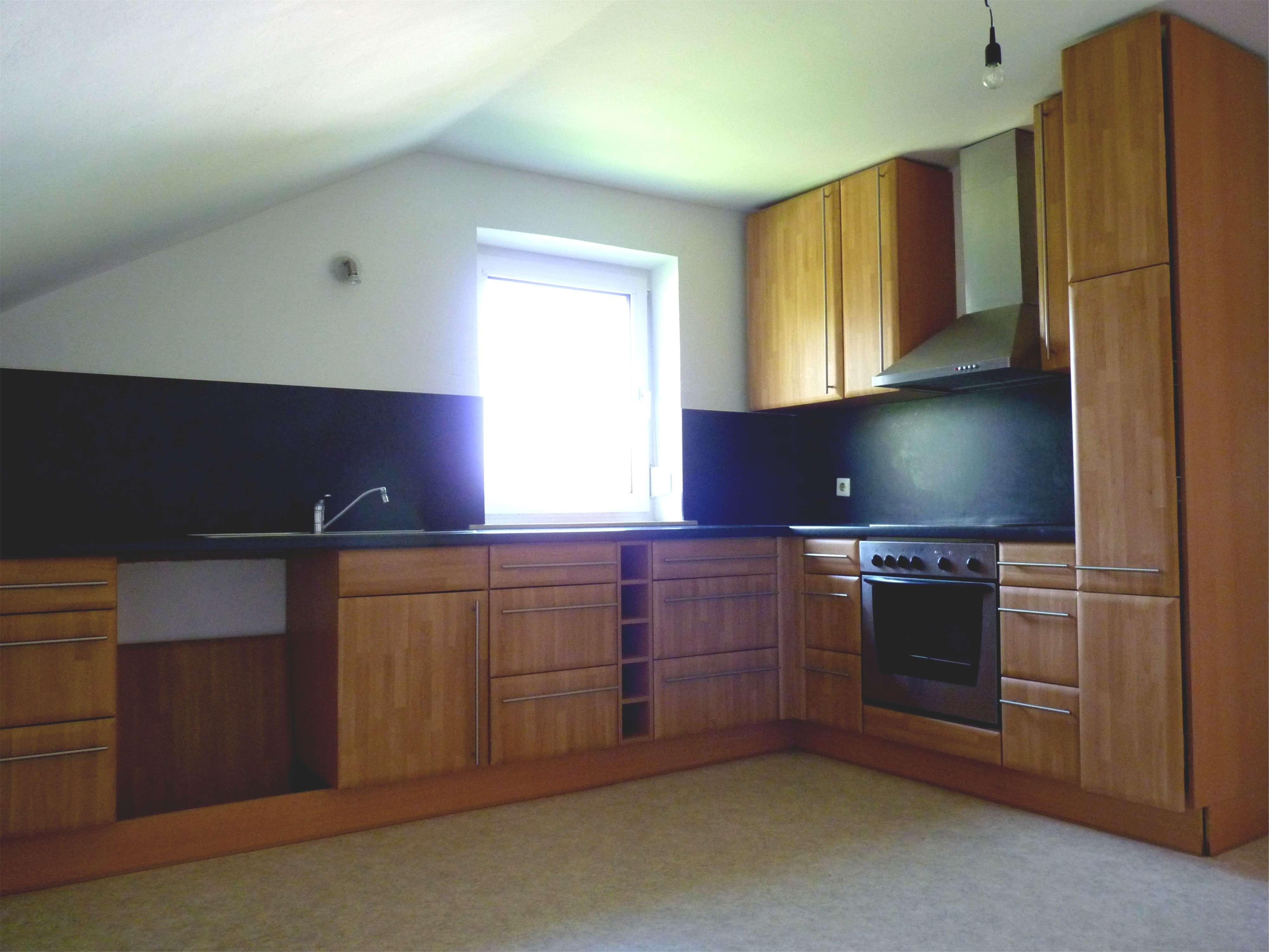 3,5-Zimmer-Dachgeschosswohnung mit Einbauküche in Frauenberg in Maisach