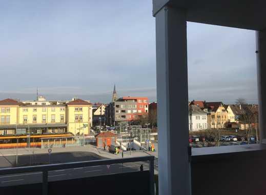 zentral gelegene, barrierefreie 4-Zi.-Wohnung mit Balkon im 2. OG u. TG inkl. Aufzug