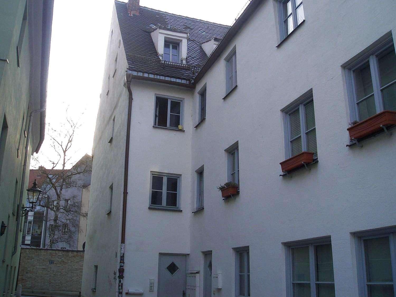 *Historische 3 Zimmerwohnung in denkmalgeschützem Haus*