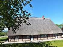 Repräsentatives Reetdach-Bauernhaus am Selenter See