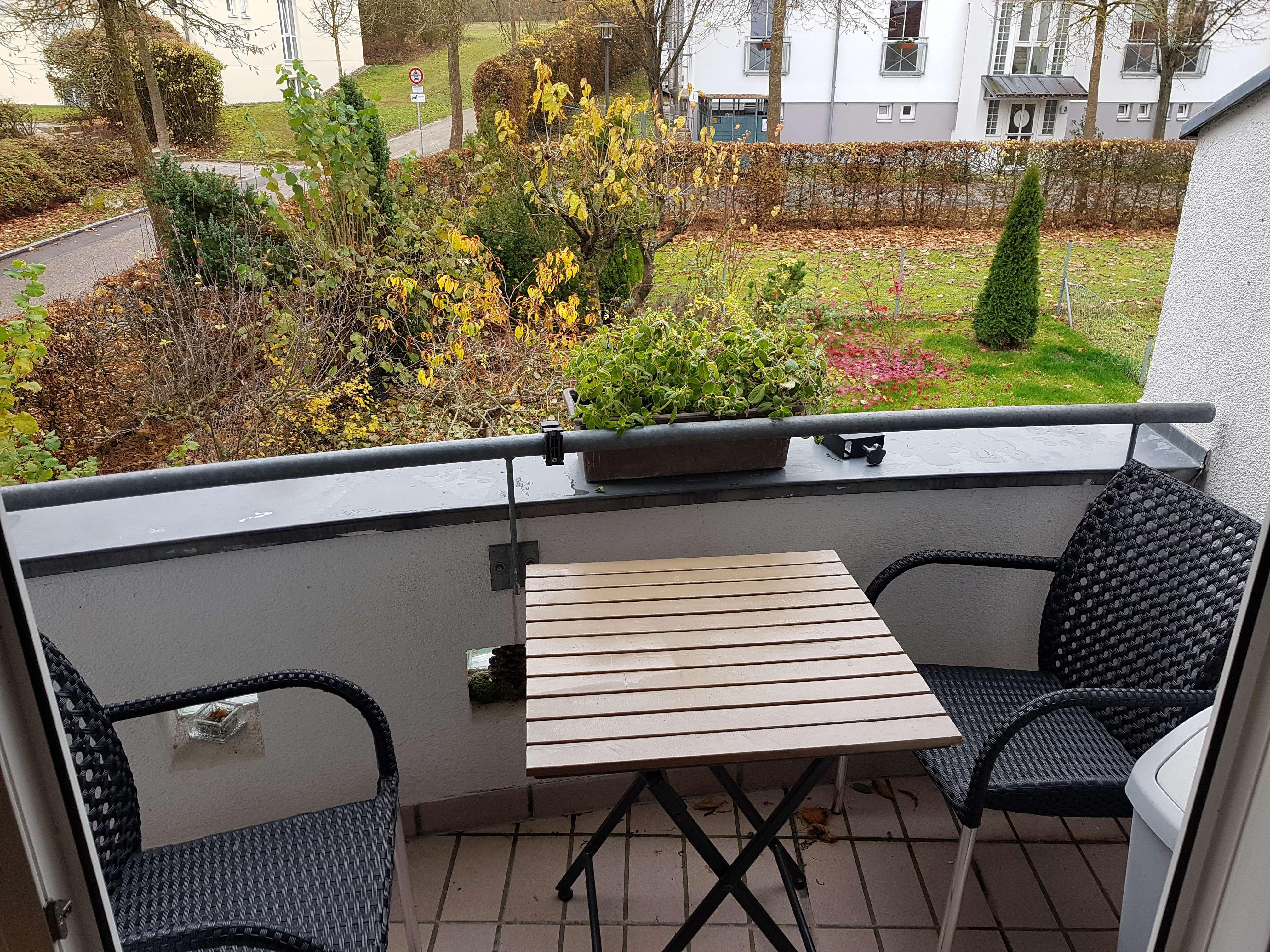 Schöne, lichtdurchflutete 2,5-Zimmer Galerie-Wohnung mit Balkon, Nähe Klinikum und Universität in Kumpfmühl-Ziegetsdorf-Neuprüll (Regensburg)