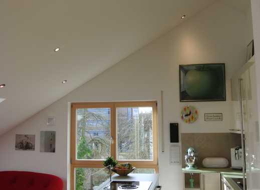 Exklusive, neue 4-Zimmer-DG-Wohnung mit Balkon und Einbauküche in Regensburg