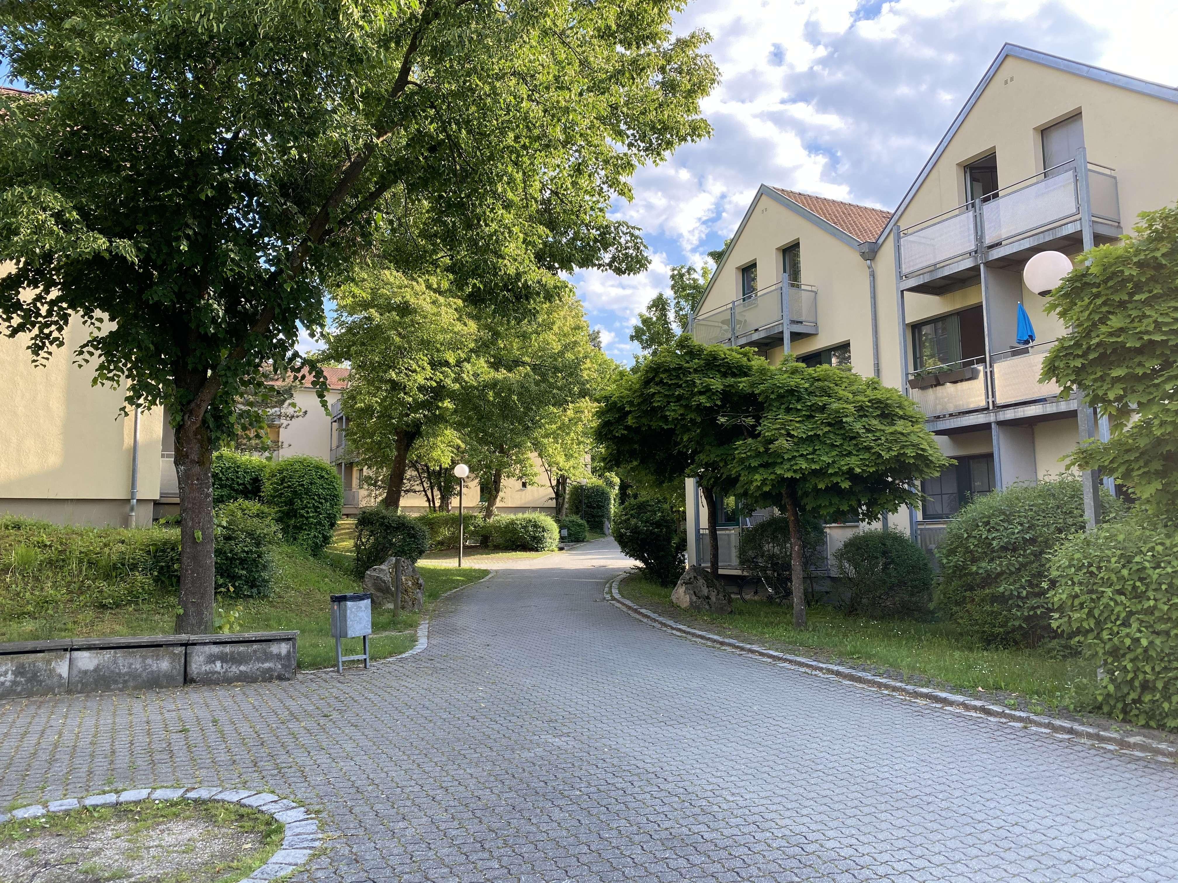 Gepflegte 1-Zimmer-Wohnung mit Balkon und Einbauküche in Regensburg von privat in