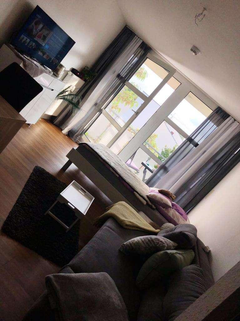Modernes, helles 1-Zimmer-Apartment im Studienpark mit Südbalkon in Erlangen Nord- Burgberg (Erlangen)