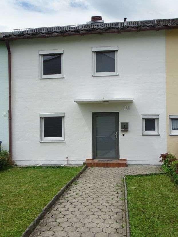 Schönes Reihenmittelhaus mit 3,5 Zimmern in Trostberg in