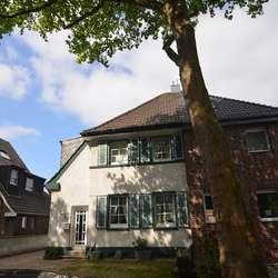 Doppelhaushälfte mit großem Garten, in gefragter Lage von Utfort.