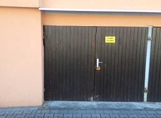 Bahnstraße Nähe Bahnübergang: Garage zu vermieten....