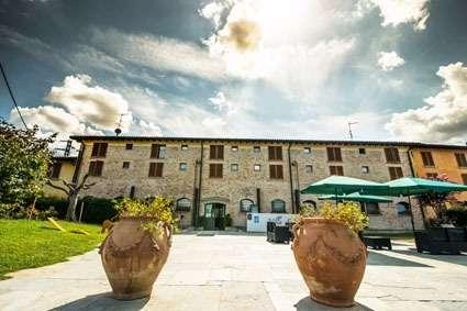 Zum Verkauf Steht Ein Schones Spa Hotel Im Herzen Von Italien