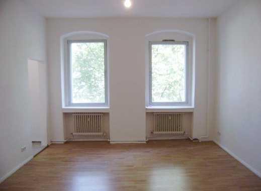 Spandau - Lutherplatz -1,5 Zimmer - Hochwertiger Laminatfußboden - Spüle - 45m² - 579 € warm