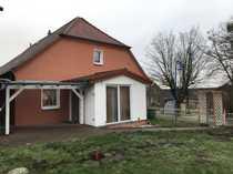 Modernisierte 2 Zimmer-Wohnung mit Wintergarten