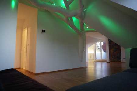 Helle, ruhige und sehr individuelle Dachgeschosswohnung in Augsburg-Innenstadt