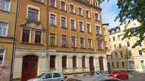 helle günstige 4-Zimmer-Dachgeschoßwohnung mit Balkon