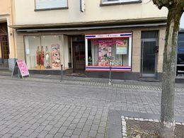 Laden mit Schaufenster