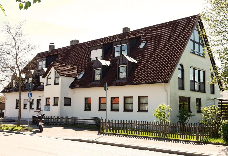 * * * Ein Traum von einer Wohnung über zwei Ebenen + Garage * * * in Bergheim (Augsburg)