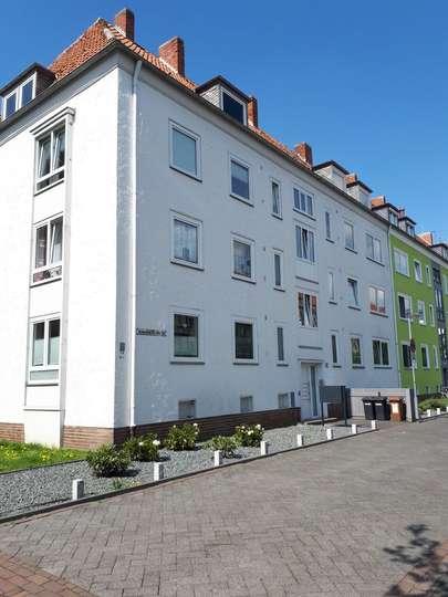 Moderne 3-Zimmer Erdgeschosswohnung mit Balkon in der List