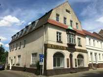 Erstbezug nach Sanierung Freundliche 2-Zimmer-DG-Wohnung