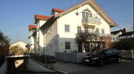 Neuwertige 3-Raum-Wohnung mit Balkon und Einbauküche in Inning am Ammersee in Inning am Ammersee