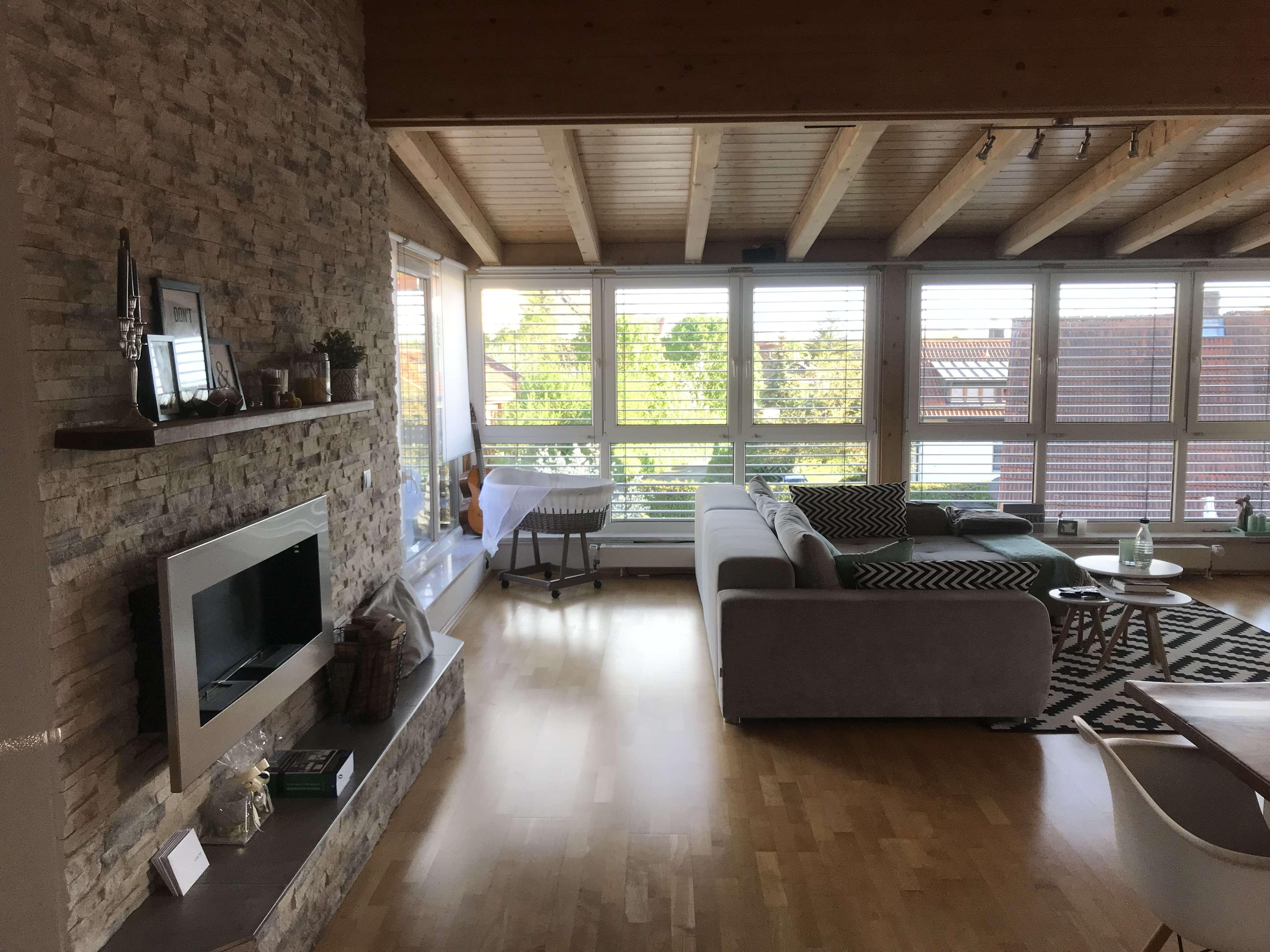 Einmalige Gelegenheit! Hochwertiges Penthouse mit schöner Dachterrasse in ruhiger Siedlungslage in