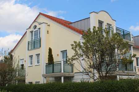 Helle DG-Wohnung mit Balkon inkl. Einbauküche in Vaterstetten | ab sofort in Vaterstetten