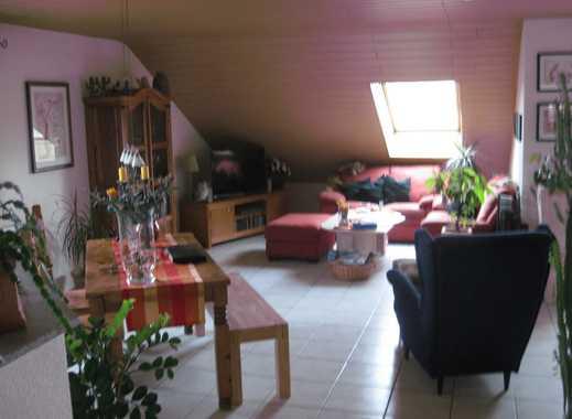 Schöne 2,5-Zimmer-DG-Wohnung mit Balkon in Dielheim
