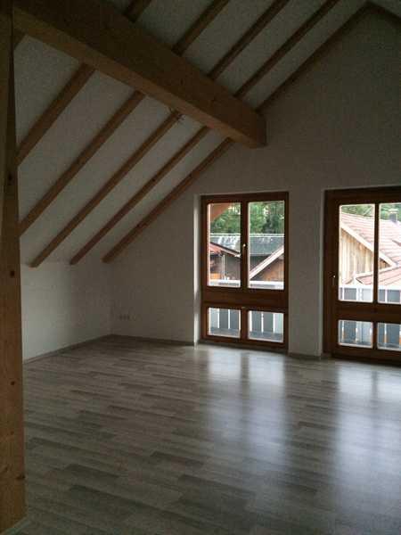 Schöne geräumige  drei Zimmern Wohnung mit Balkon und EBK in Oberstaufen - Salmas in Oberstaufen