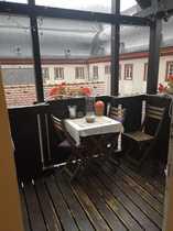 Exklusive 2-Zimmer-Dachgeschosswohnung mit Balkon und