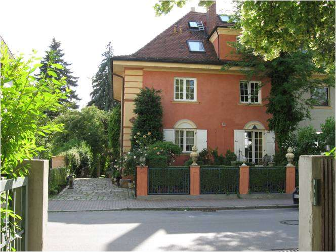 Stilvolle, neuwertige 1-Zimmer-Erdgeschosswohnung mit Einbauküche in Freising in