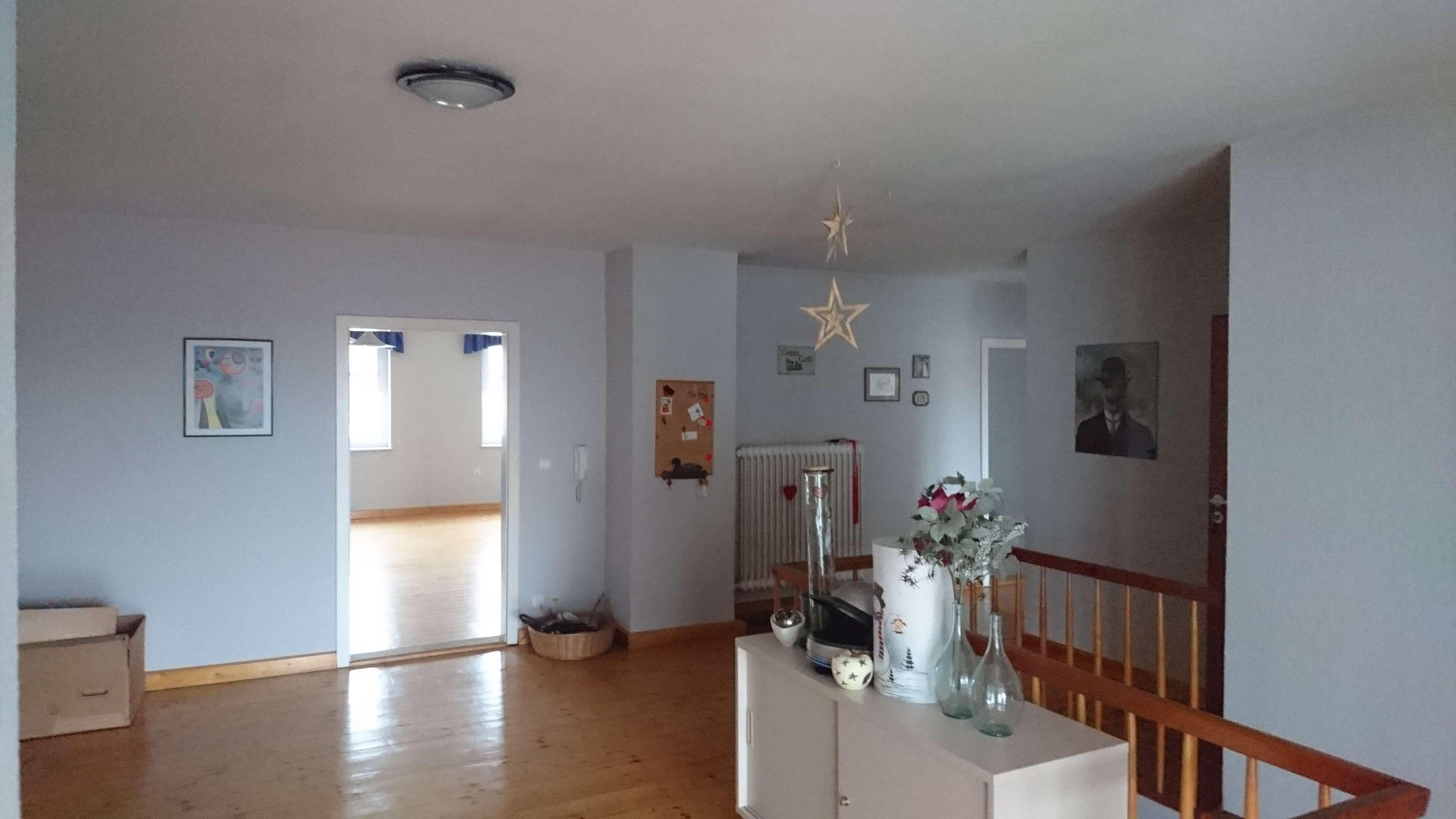 3-Zimmer-Wohnung mit großer Wohndiele, Balkon und Einbauküche in Waldmünchen