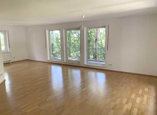 **phantastische 3-Zimmer-Komfortwohnung mit Balkon in idyllischer Lage**