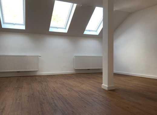 *Stadmitte* Helle 3-Zimmer Dachgeschoßwohnung
