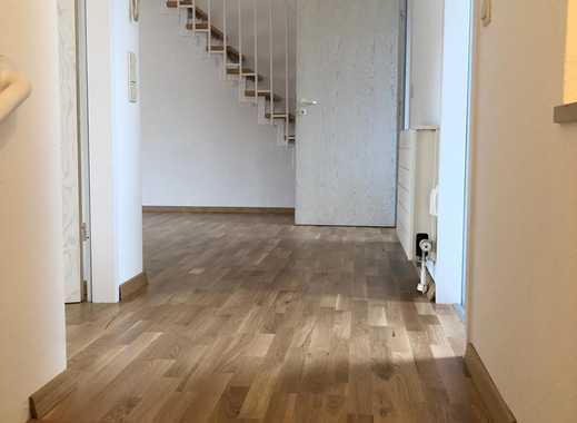 Freundliche 3-Zimmer-Maisonette-Wohnung mit Dachloggia und EBK in Nürnberg