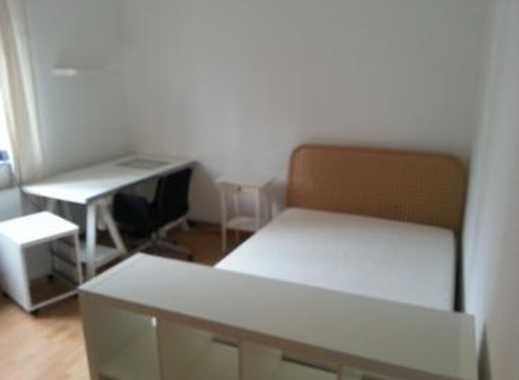 15 m² großes Zimmer zu vermieten