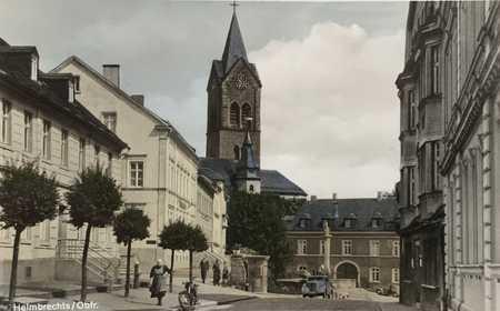 Großzügige gehobene 4 Zimmerwohnung  in prominenter Lage am Rathaus im Zentrum von Helmbrechts in Helmbrechts