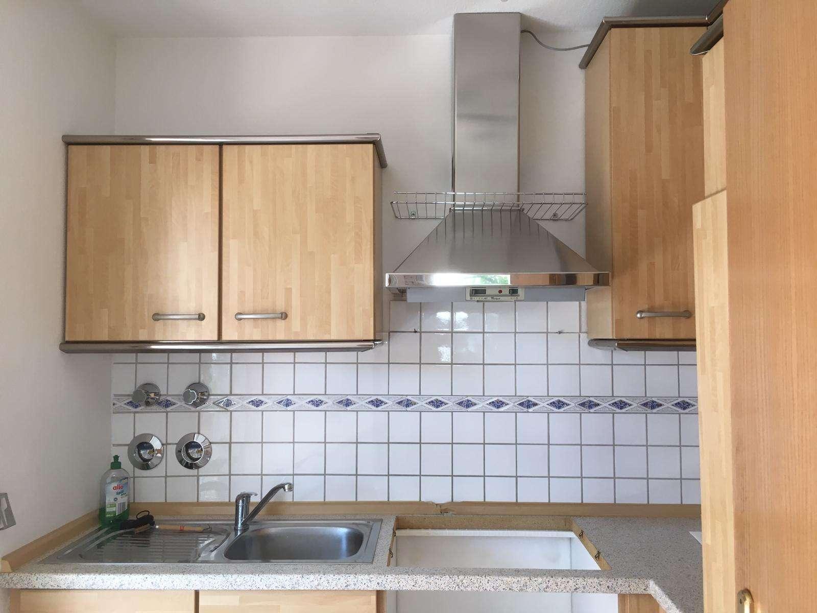 Exklusive, vollständig renovierte 2-Zimmer-Wohnung mit zwei Balkonen und Einbauküche in Bad Abbach