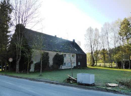 Einfamiliendoppelhaushälfte mit großem Grundstück