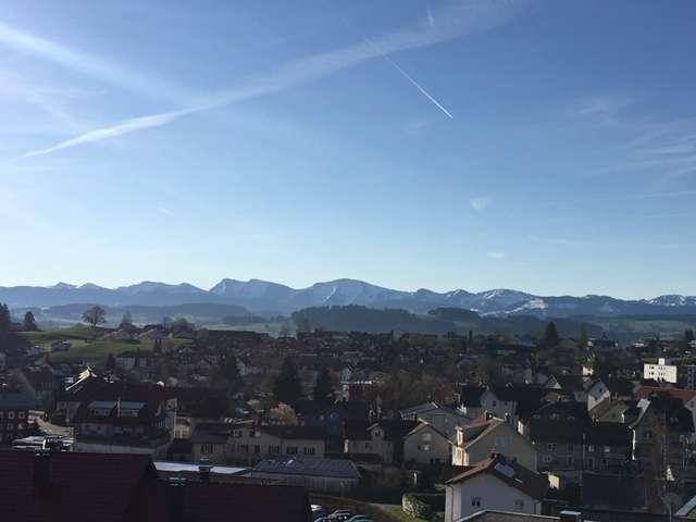 Neubauwohnung am Nadenberg; Sonnig; in 3-Fam.Haus mit herrlichem Blick in Lindenberg im Allgäu