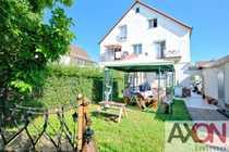 Doppelhaus gesamt mit sonnigem Garten -